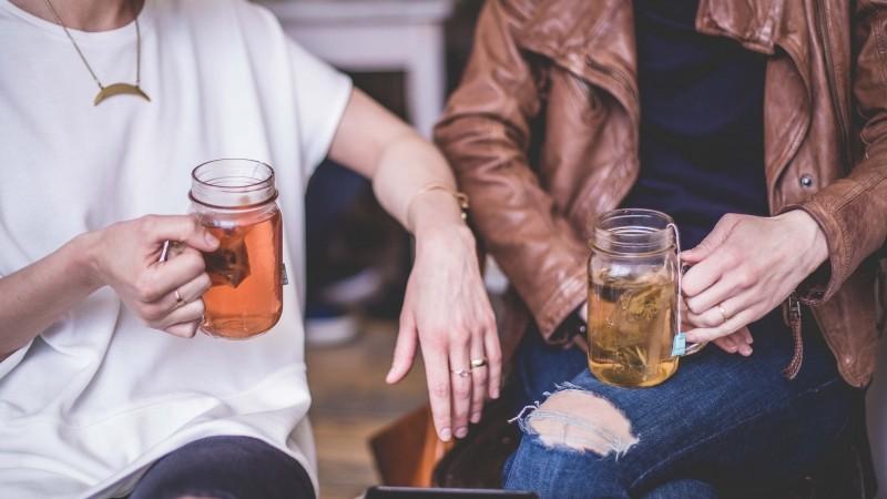 Quando bevi il tè stai bevendo nuvole: ovvero tutto è relazione